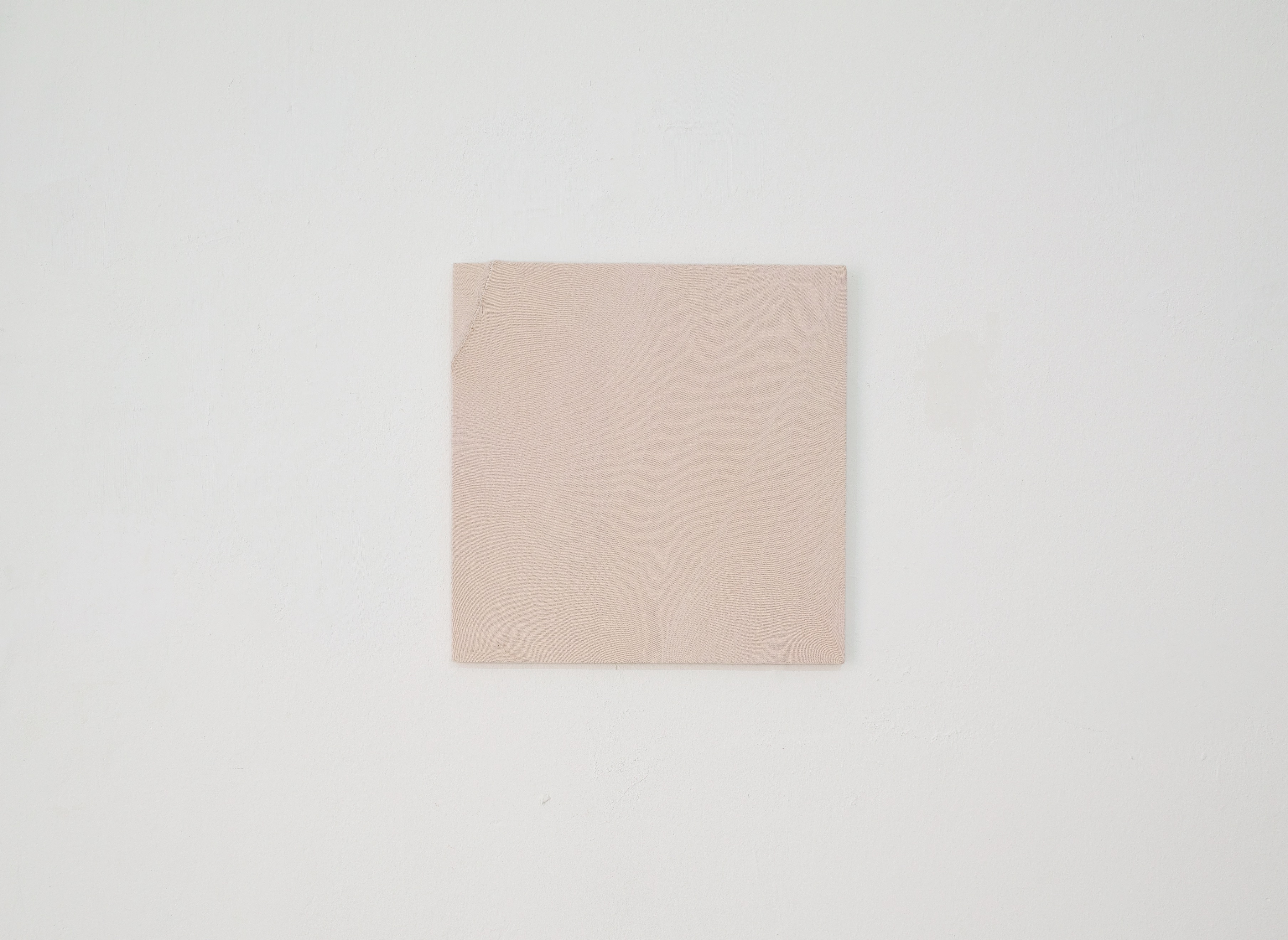 Diversions Series (#4), 2017, Found knit fabric on plywood, 40×40cm