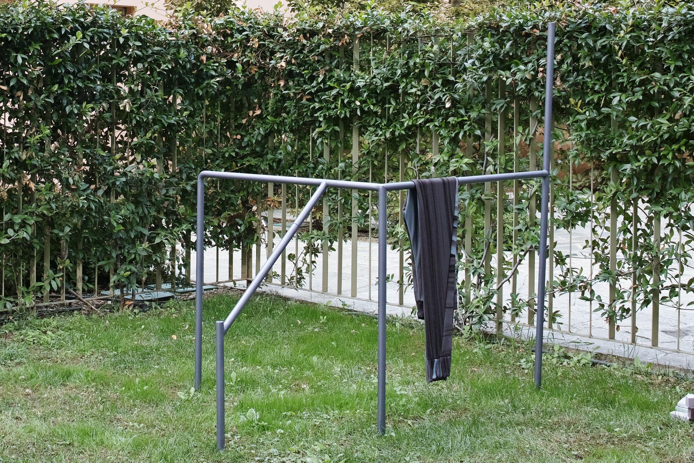Powder-coated metal structure, sweatpants